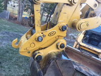 quick hitch for excavator bucket.jpg